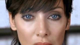 Watch Natalie Imbruglia Leave Me Alone video