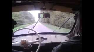 Petit tour en Renault 4CV