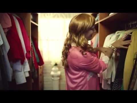 Polémico video de Fabio Alberti como travesti