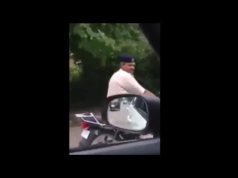 Chandigarh Police Driving Bike Without Helmet & Got Questioned by a Citizen