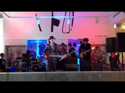 Carl Barat & Friends (Soundcheck) - NME @ H&M Glasgow Buchanan St - 8/05/2013