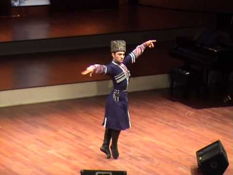 Чеченский танец- Мансур Мусаев.