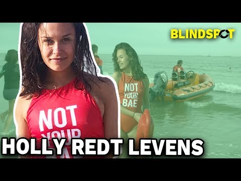 BAYWATCH BABE Holly gaat NAT! - Concentrate Blindspot