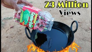 Boiling Center fresh chewing gum in Hot oil Experiment || Chewing gum vs Hot oil experiment