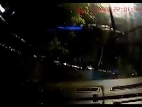 Женщина перевернула автомобиль
