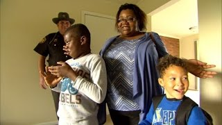 After Sleeping in Lobby, Cop Helps Homeless Mom and Kids Find New Home