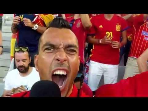 Euro 2016 [68]: Así celebró el gol de Álvaro Morata ante Croacia la afición española en el estadio