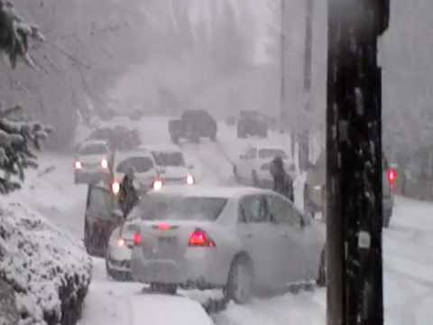 Cars Sliding & Crashing in Bountiful, UT, 400 north bountiful ut 1/21/2012