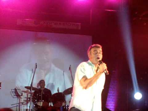 Jaane Kya Dhoondta Hai - Lucky Ali & Crew live  XIMB (Xpressions...