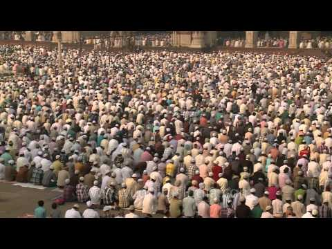 Indian Muslims pray at the Jama Masjid mosque in Delhi