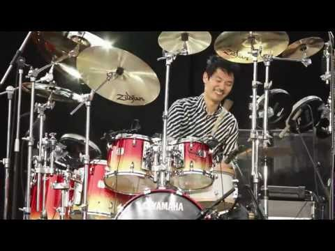 Silver Lake Music Festival 2012 Pattaya Thailand 28th Jan 2012 Akira Jimbo - One Man Orchestra Band Akira Jimbo Gear - Yamaha Maple Custom, Yamaha DTX 950K, ...