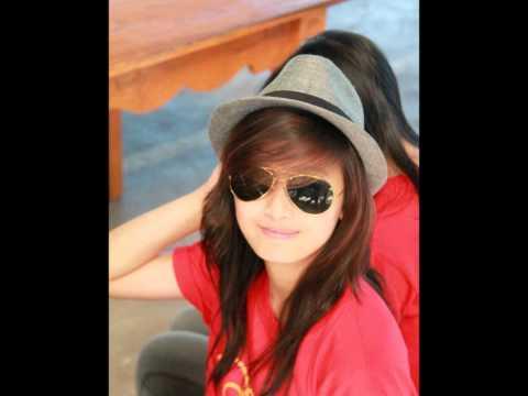 Pretty Filipina Teens