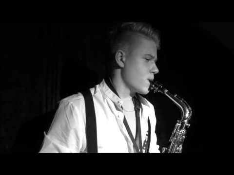 "Titanic Theme ""My Heart Will Go On"" - Sax Cover (Studio performance by a young artist)"