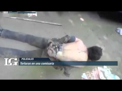 IMPACTANTE Policía argentino golpea a un reo obligándolo imitar sonidos de animales