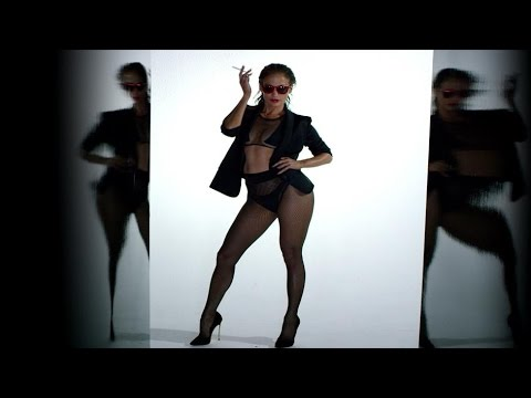 "Jennifer Lopez: ""Booty"" - Shake That 