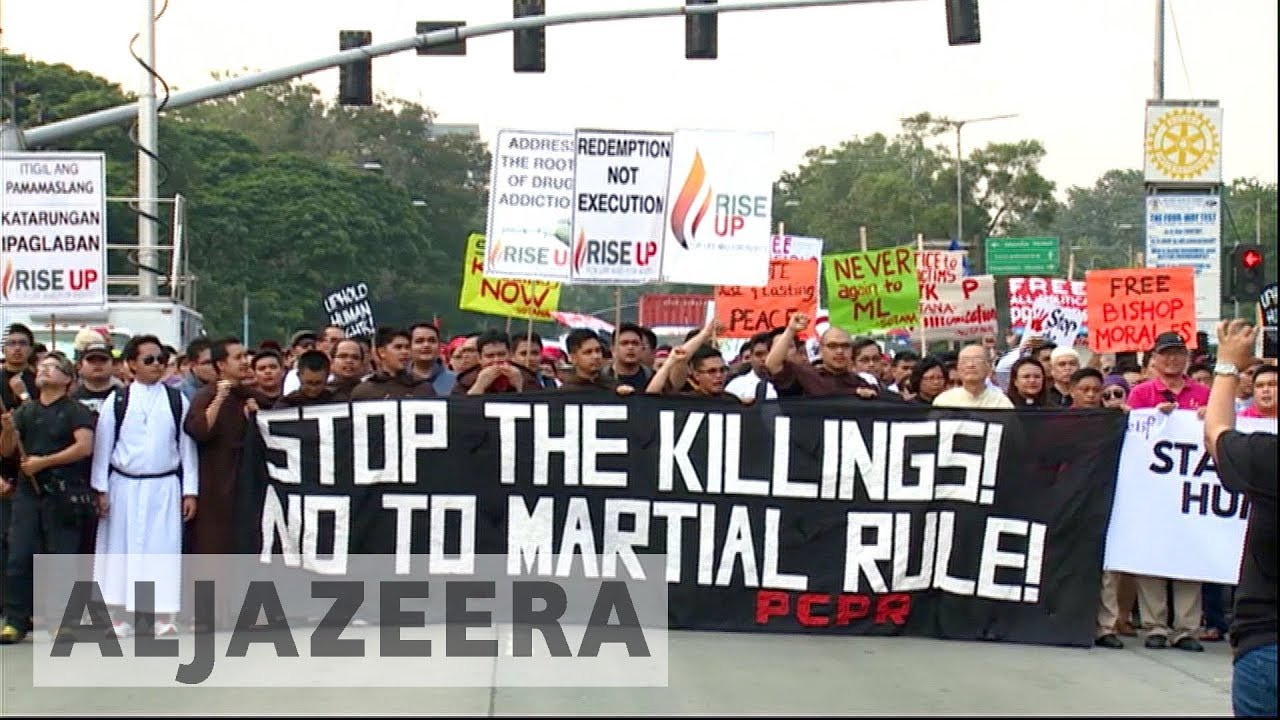 Thousands protest in Philippines' Manila against Duterte