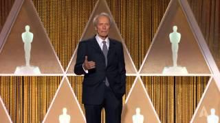 Clint Eastwood honors Maureen O'Hara at the 2014 Governors Awards