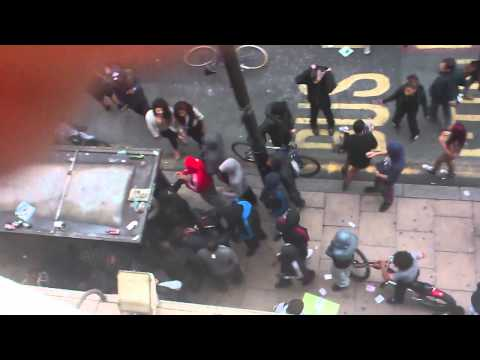 Manchester Riots- overhead view of looting on Oldham Street