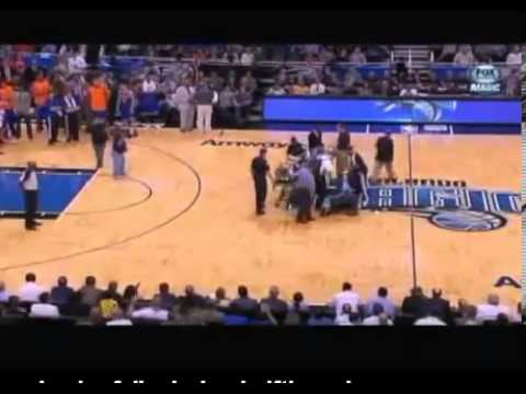 Orlando Magic Cheerleader Suffers Injury During Knicks Game. NBA Orlando Magic Cheerleader Falls.