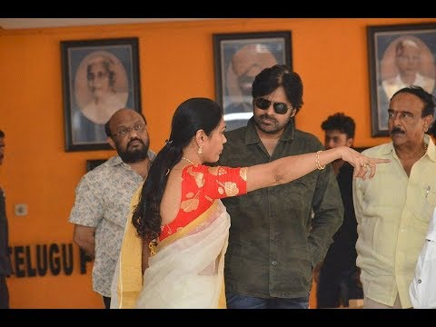 Pawan Kalyan At Film Chamber - Sri Reddy Comments On Pawan Mother - Tollywood Controversy | YOYO TV
