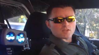 Citizen Pulls Over Cop, Demands ID & It's Amazing