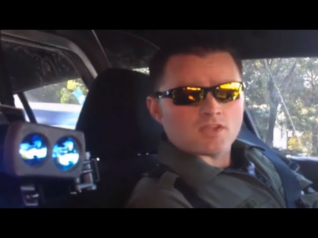 Citizen Pulls Over Cop, Demands ID & It's Amazing