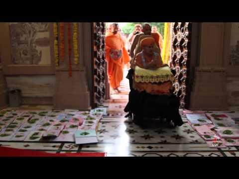 Diwali Celebrations - Guruhari Darshan 23 Oct 2014, Sarangpur, India video