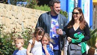 Ben Affleck And Jennifer Garner Looking Like A Happy Family Pt 2