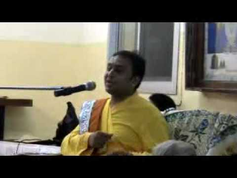 Pushtimarg Acharya 108 Shree Yadunathji Mahodayshri video