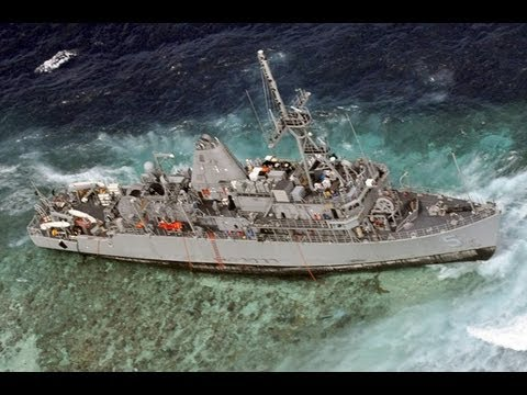 Stranded US ship threatens Philippine reef