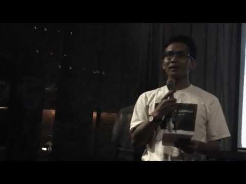 Khrisna Pabhicara Membaca Puisi Bugis
