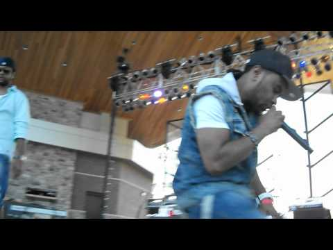 Shaggy Feat. Rayvon: it Wasn't Me Live  Festival Of The Lakes: Hammond, In: 7-20-2012. video