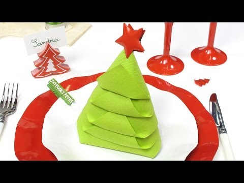 Pliage de serviette en forme de sapin de no l youtube for Pliage serviettes papier noel