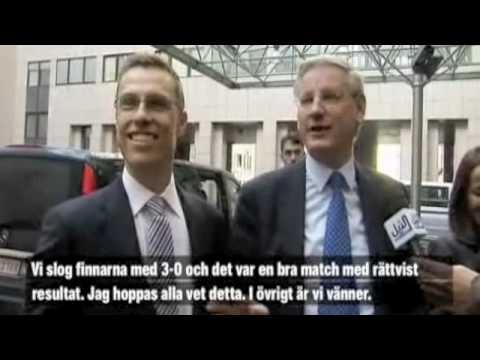 Carl Bildt tjafsar hockey med Alexander Stubb