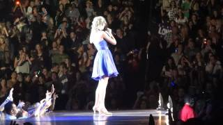 Taylor Swift - You Belong With Me (Live in Los Angeles 8-27-11)