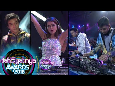 Download Opening DJ Osvaldorio, DJ Yasmin & Midnight Quickie Dahsyat Awards 2016 25 Jan 2016 Mp4 baru