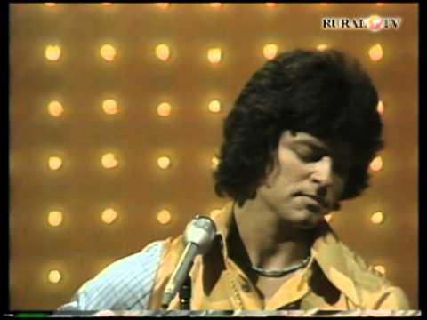 Johnny Rodriguez - Makes Me Wonder If I Ever Said Goodbye