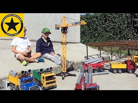 DICKIE Giant Crane works with BRUDER Construction Toys!
