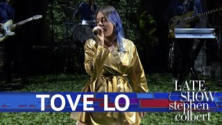 Tove Lo Performs 'Glad He's Gone'