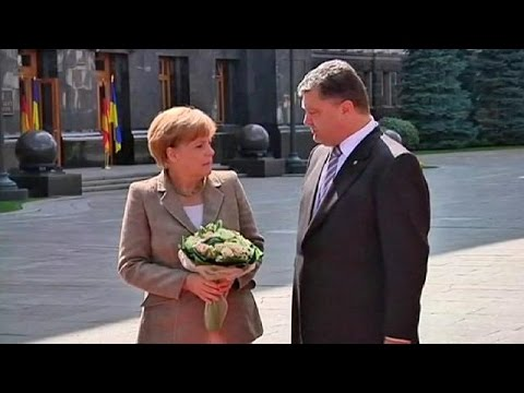 Merkel arrives in Ukraine looking for a ceasefire