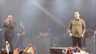 Rick e Renner se emocionam no palco  A Volta de Rick e Renner, showsebailes.com.br , Spazio Van