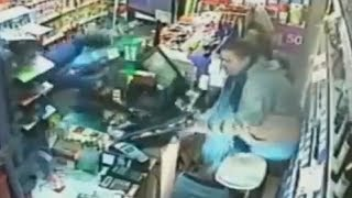 LiveLeak - Old Man Saves The Day From Knife-Wielding Robber
