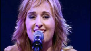 Watch Melissa Etheridge Occasionally video