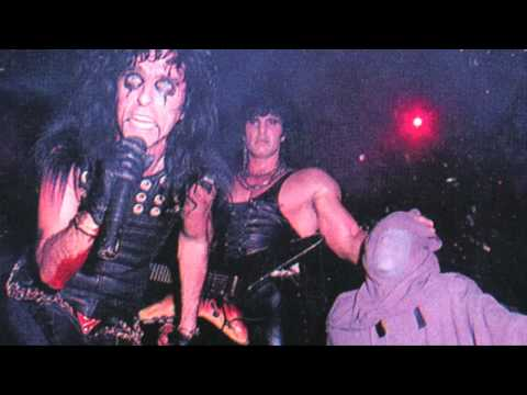 Alice Cooper 1987 - The World Needs Guts