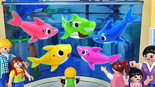 Baby Shark Family showed up at the Aquarium! Let's go to the Baby Shark Performance~! #PinkyPopTOY