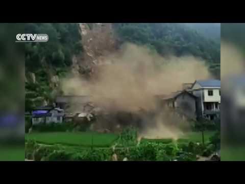 Impresionante alud en China