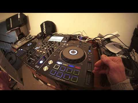 BEGINNER DJ ITS TIME TO GO LOOPY