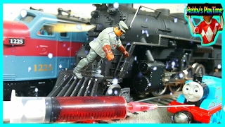 Toy Train Polar Express and Thomas Friends Videos For Kids, Toddlers. Hungry Thomas.
