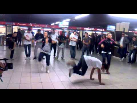 Flash mob step up 3D-Milano Cadorna.mp4