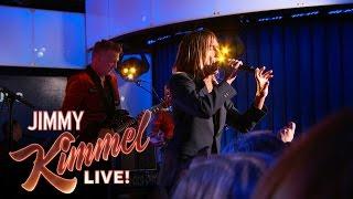 """Iggy Pop - 米ABC「Jimmy Kimmel Live!」にて新譜「Post Depression」から""""Sunday""""を披露 ライブ映像を公開 thm Music info Clip"""